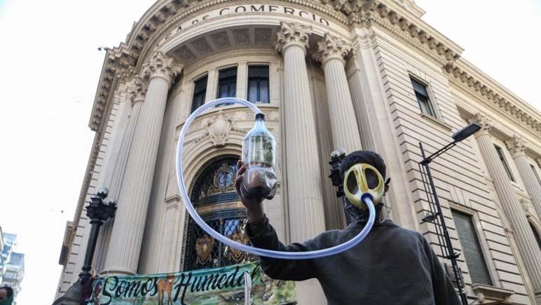 La Multisectorial Humedales se concentró en la Bolsa de Comercio de Rosario