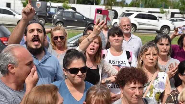 Convocatoria de vecinos autoconvocados por la inseguridad en Bermúdez