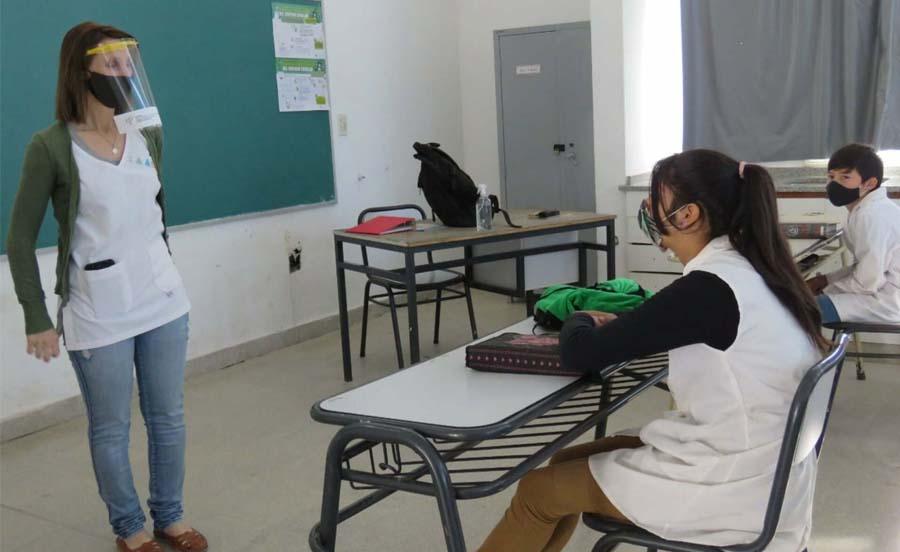 ¿Vuelven las clases presenciales en Rosario y San Lorenzo?