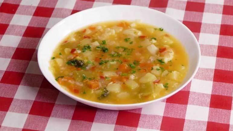 Los comedores de la UNR ofrecen un plato de sopa libre para estudiantes y personas en situación de calle