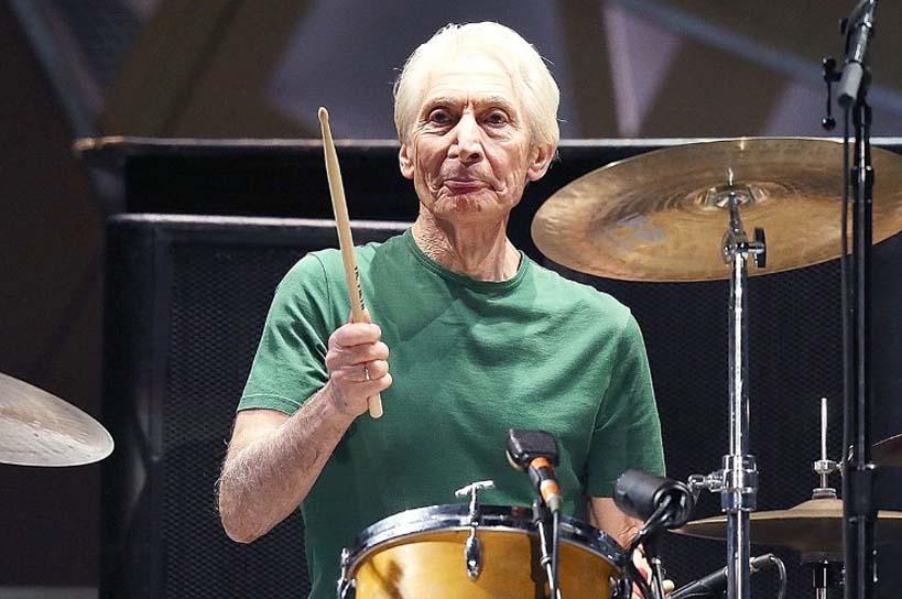 Falleció el legendario baterista de los Rolling Stones… ¿Quién era Crarlie Watts?